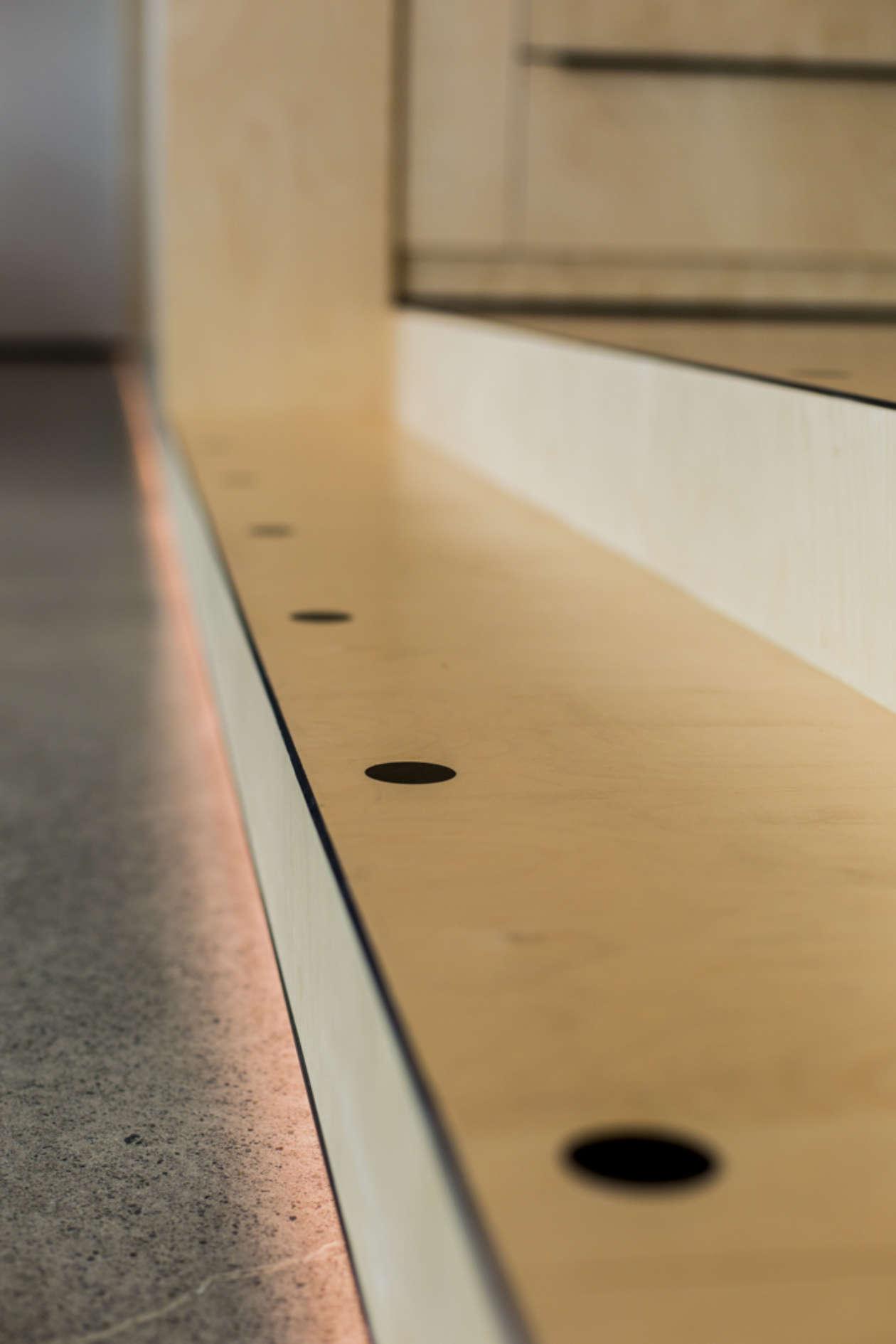 Aspect Furniture 5